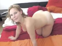 Naked chick is shaking her ass