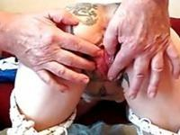Tattooed pussy gets rubbed