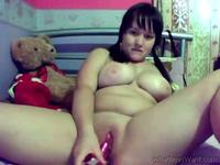 chubby girl on webcam