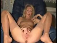 Horny mature cunt loves masturbating